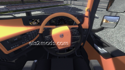 2014-07-29-2012-Volvo-FH-Orange-Interior-5s