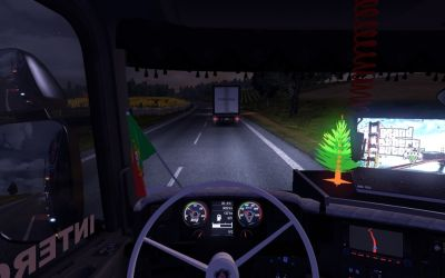 2013-04-27-Portuguese-Flag-From- Exterior-And-Interior-ETS2-2