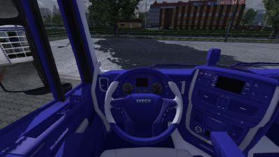 2013-10-12-Iveco-Hiway-Blue-White-Interior-1s