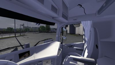 2013-10-26-Volvo-White-Interior-2s