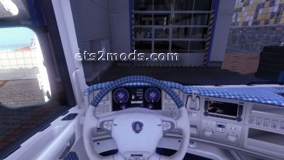 2014-05-01-Checkered-Interior-For-Scania-By-Chaos-1s